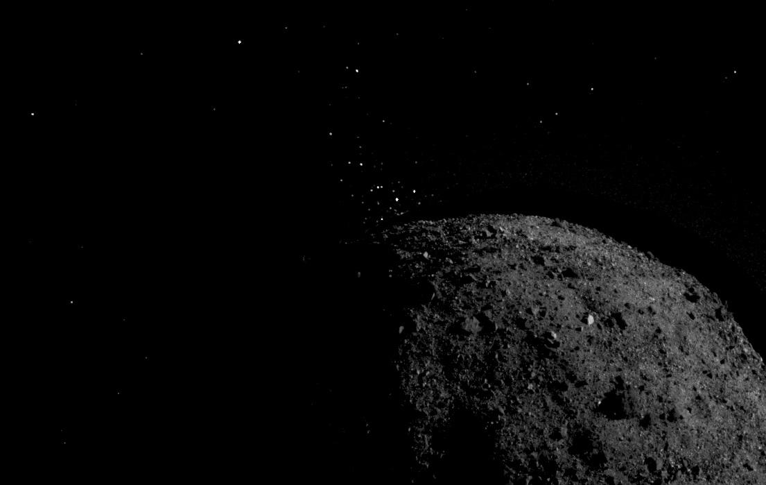 La sonde Osiris-Rex observe une éjection de particules sur l'astéroïde Bennu