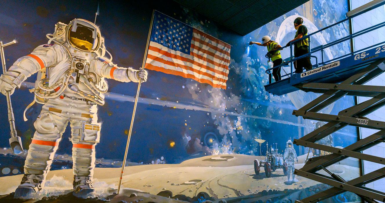 En plein cinquantenaire des missions Apollo, le musée de l'Air et de l'Espace de Washington se métamorphose
