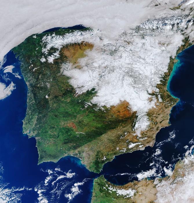Vue depuis l'espace, l'Espagne se vêt d'un manteau blanc après la tempête Filomena